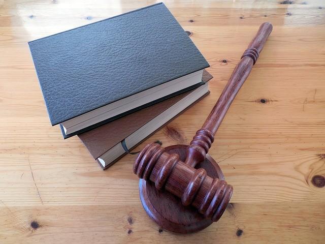odvetniške storitve